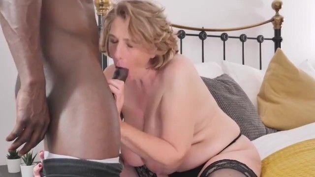 Older breasty mother tries large swarthy schlong